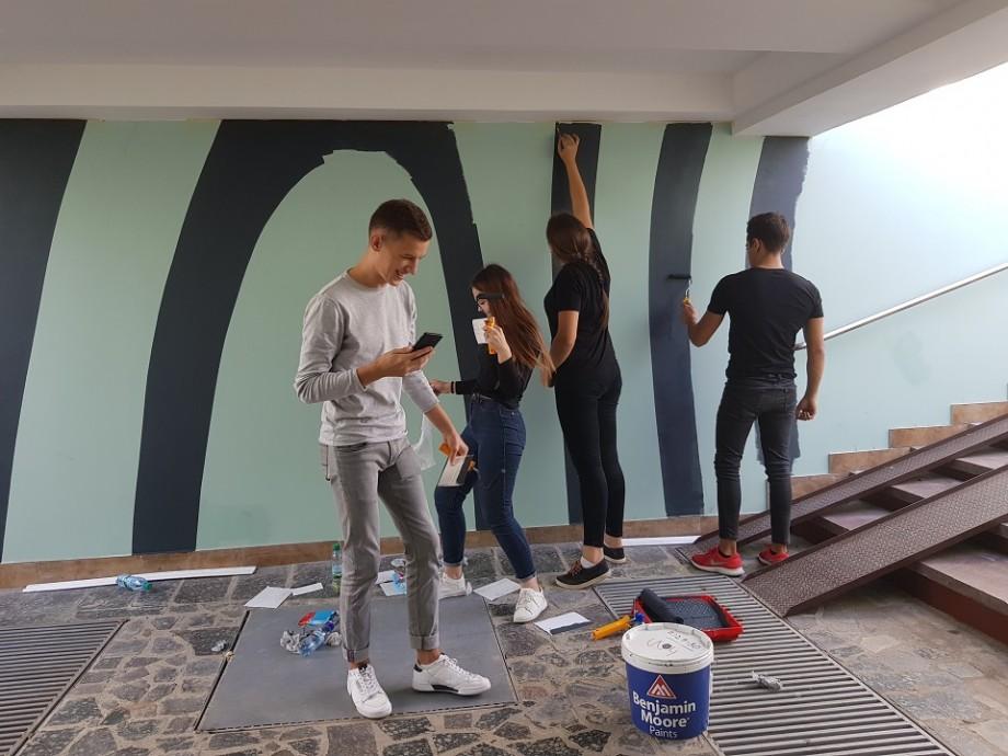(foto) Un grup de studenți de la UTM au dat culoare pasajului subteran de pe bulevardul Negruzzi. Cum arată acesta