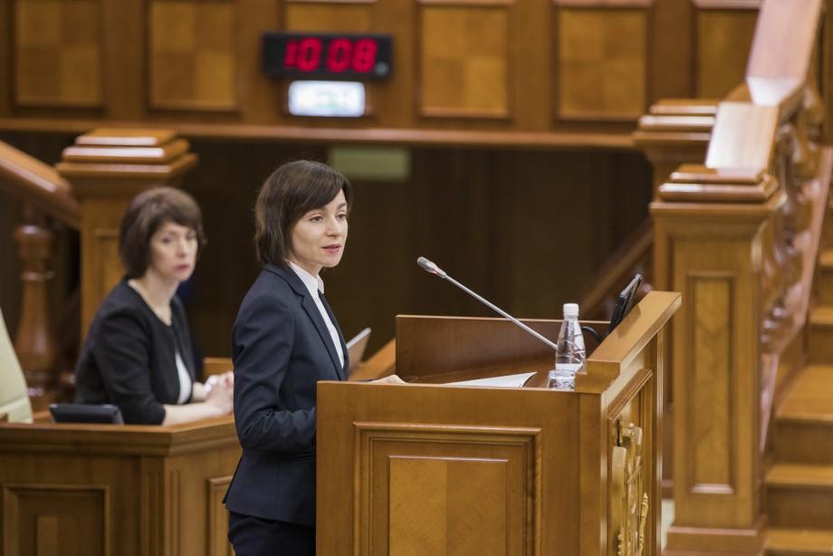 """""""Cetățenii așteaptă două lucruri de la noi – să trăiască mai bine și să li se facă dreptate."""" Discursul Maiei Sandu ținut la tribuna parlamentului"""