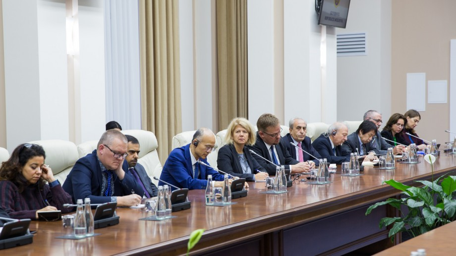 """(foto) Ion Chicu s-a întâlnit cu ambasadorii acreditați în Chișinău: """"Implementarea Acordului de Asociere este o prioritate pentru Moldova"""""""