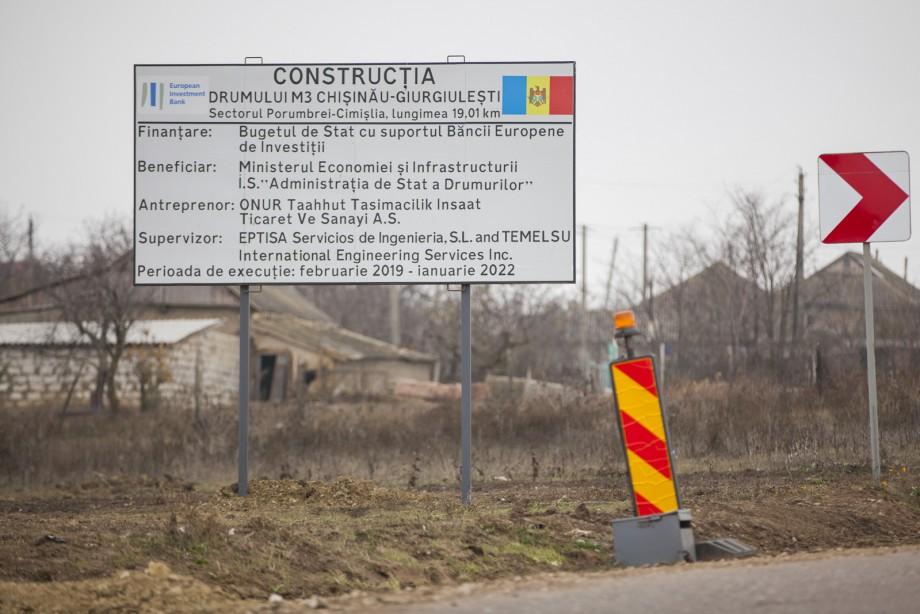 """Chicu, în prima vizită """"pe șantierele patriei"""". A inspectat construcția traseului spre Cimișlia"""