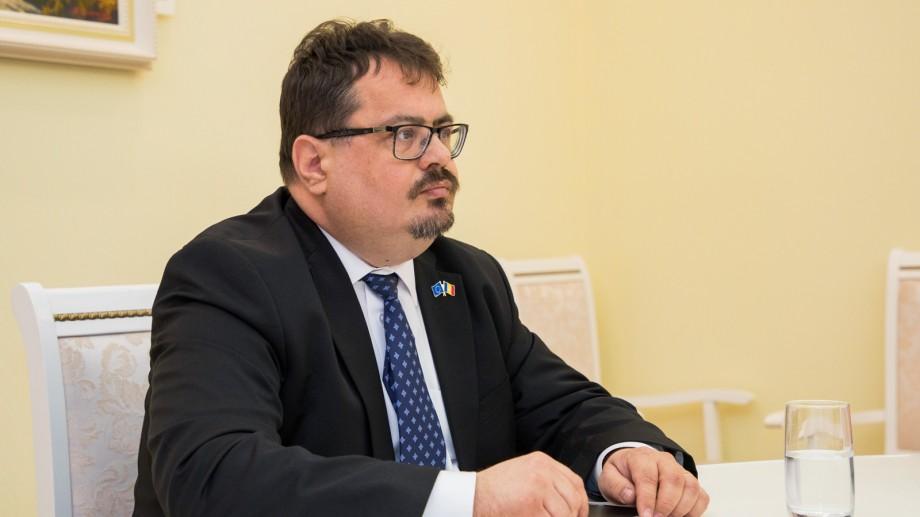 """(foto) Peter Michalko la întâlnirea cu Ion Chicu: """"UE urmărește atent acțiunile guvernului și implementarea reformelor asumate"""""""