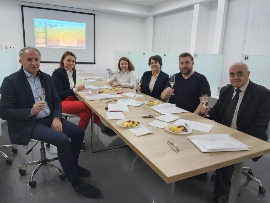 UTM a oferit certificate de expert-degustător în produse vinicole pentru șase profesori brașoveni