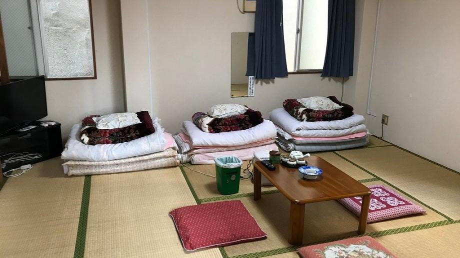 """""""Hotelul de 1 dolar"""" din Japonia. Ce condiție trebuie să accepte oaspeții pentru a plăti doar 17 lei pentru o noapte"""