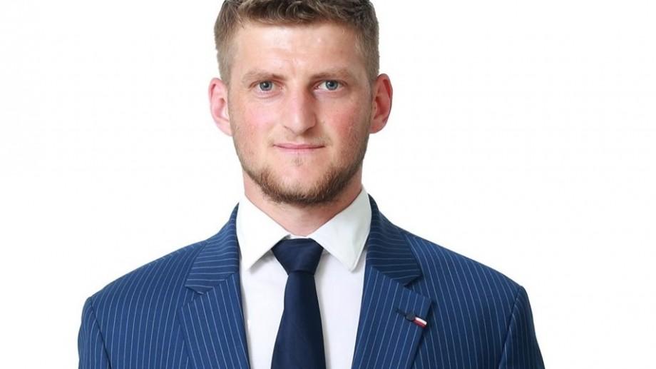 Cine este cel mai tânăr primar din țară, care a fost ales în turul II al alegerilor locale