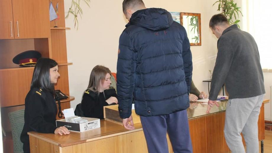 Au votat de după gratii. Cum se desfășoară alegerile locale în penitenciarele din Moldova
