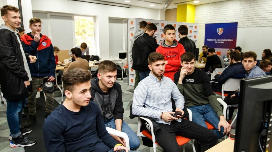 Îți plac jocurile video? Devino jucătorul Echipei Țării la PES la UEFA EURO 2020 eTournament