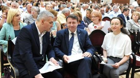Contractul privind construcţia gazoductului Iaşi-Ungheni a fost semnat