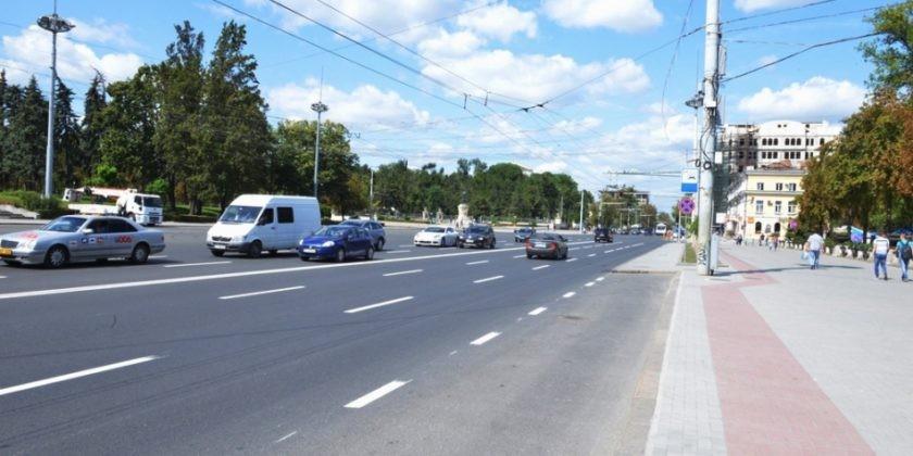 Bulevardul Ștefan cel Mare și Sfânt din Chișinău va fi expertizat. Vor fi extrase probe la o adâncime de până la 1,5 metri