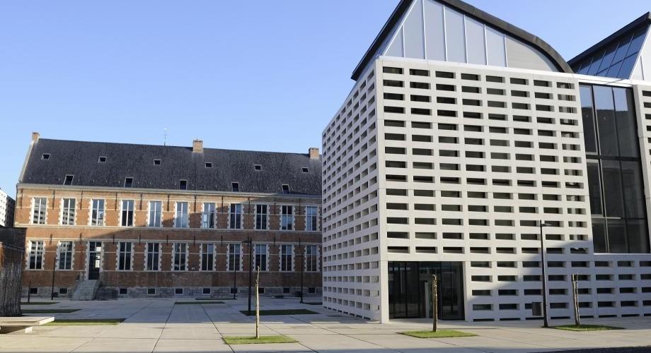 Colegiul Europei oferă burse pentru studii postuniversitare pentru studenții din Moldova. Cum poți depune dosarul
