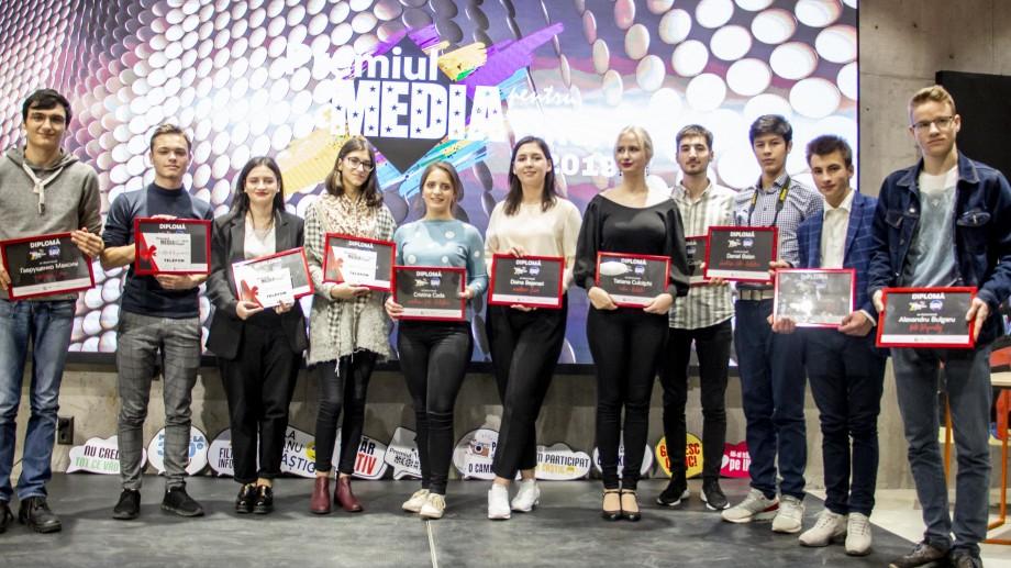 """(foto, video) """"Filtrez la 360."""" Lista tinerilor care au câștigat """"Premiul Media 2019"""""""