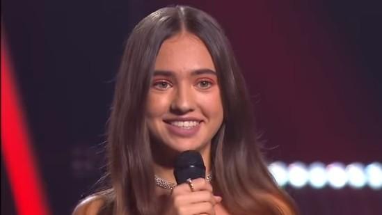 """(video) O tânără din Moldova a reușit să impresioneze jurații de la """"Vocea Portugaliei"""". Vezi prestația interpretei"""
