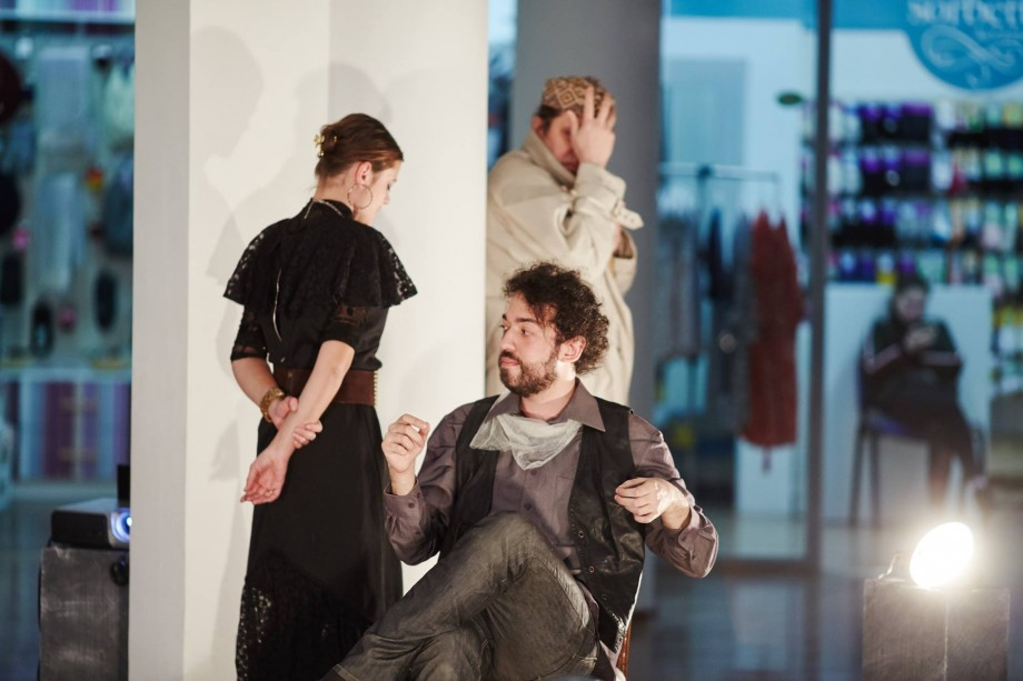 """Teatrul-Studio de Improvizaţie ZaO te invită să joci împreună cu actorii spectacolul """"Istorii fără cuvinte"""""""