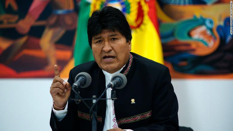 Preşedintele bolivian Evo Morales şi-a anunţat demisia, alături de mai mulți miniștri și deputați