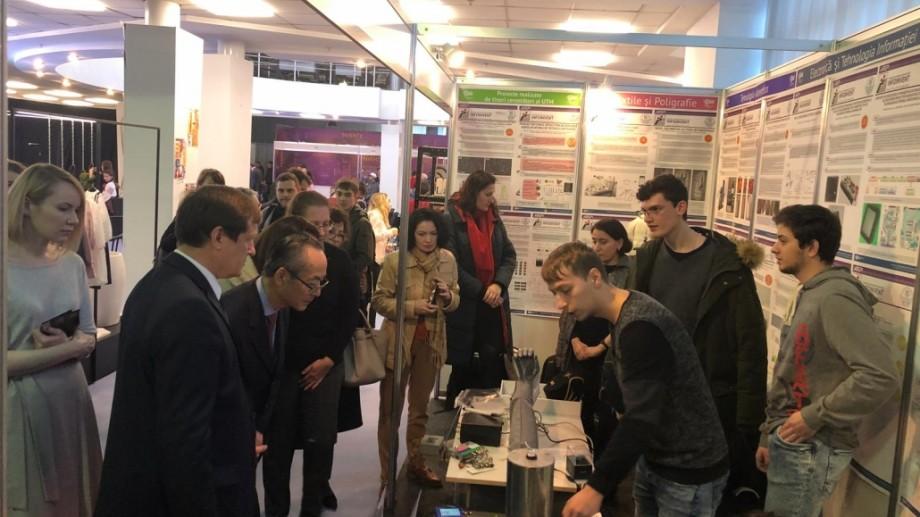 """Peste 50 de exponate realizate de studenții UTM sunt prezentate la Expoziția """"INFOINVENT"""""""