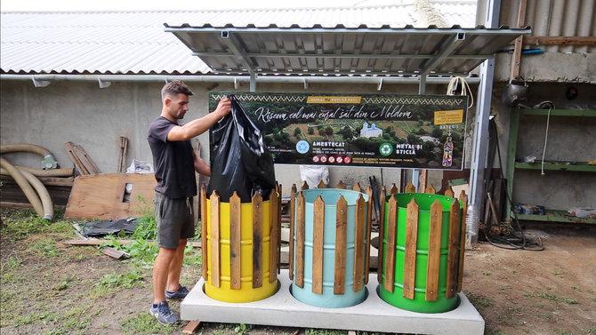 (foto, video) Primul sat din Moldova cu pubele pentru sortarea gunoiului. Susține autorul acestui proiect să realizeze un film documentar