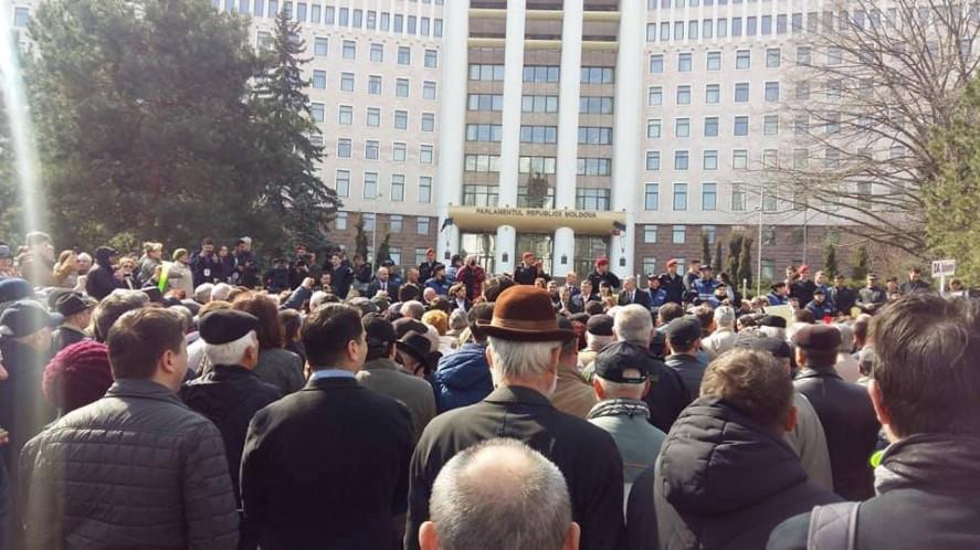 Blocul ACUM invită cetățenii la o manifestație pașnică în fața Parlamentului, în susținerea guvernul Sandu