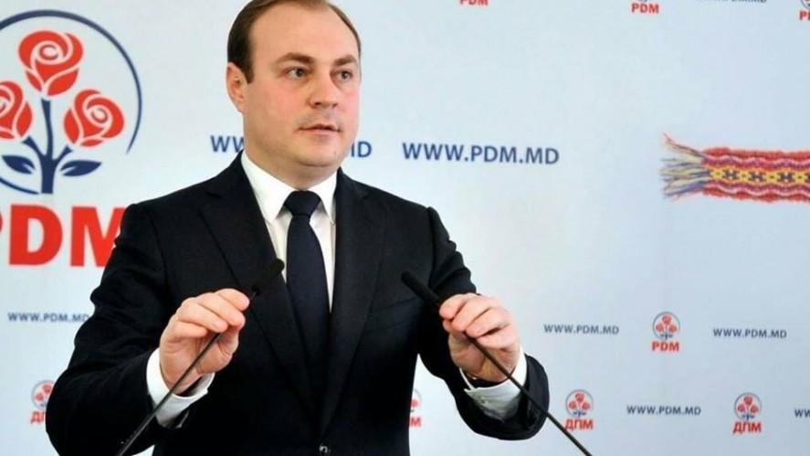 """Renato Usatîi: """"Eugen Nichiforciuc propunea câte 350 000 de euro pentru fiecare deputat din PDM pentru plecarea din partid"""""""