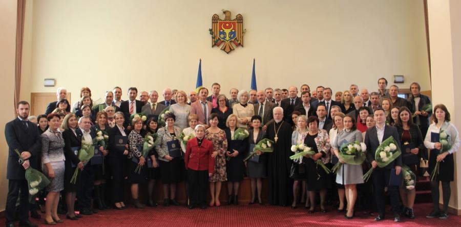 Lista celor mai buni cercetători din Moldova, care au fost premiați cu diplome de onoare din partea statului