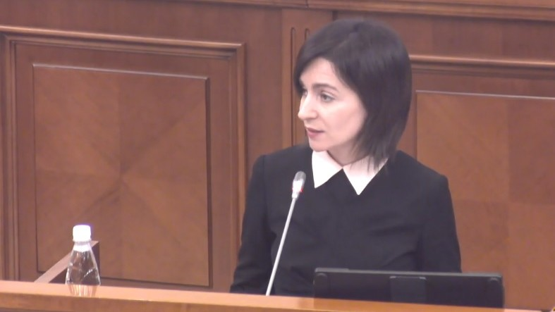 """(video) """"Eu voi da socoteală în fața oamenilor."""" Discursul Maiei Sandu ținut la tribuna parlamentului"""