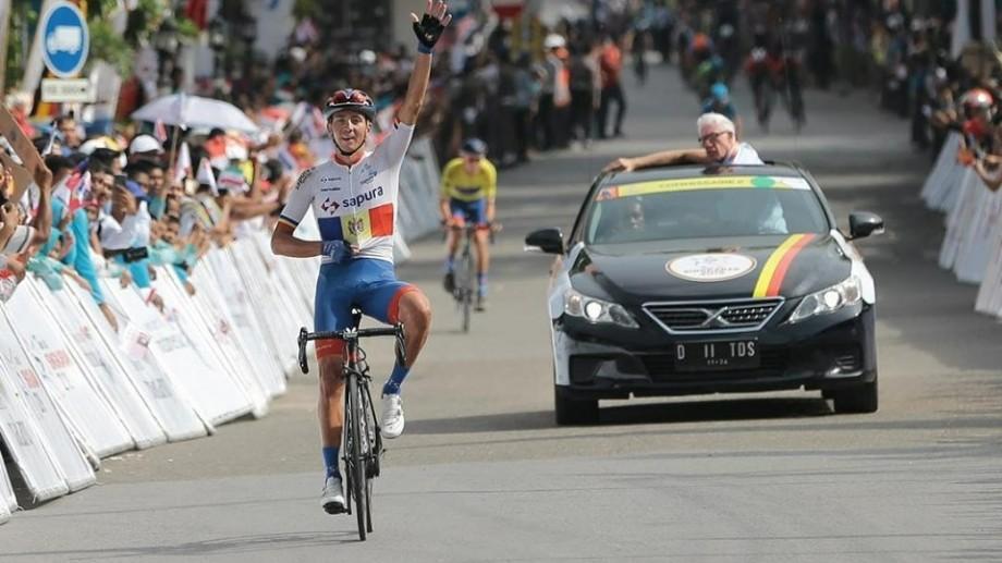 """Sportivul moldovean Cristian Răileanu a câștigat a patra etapă a Turului Indoneziei """"Tour De Sinkarak"""""""