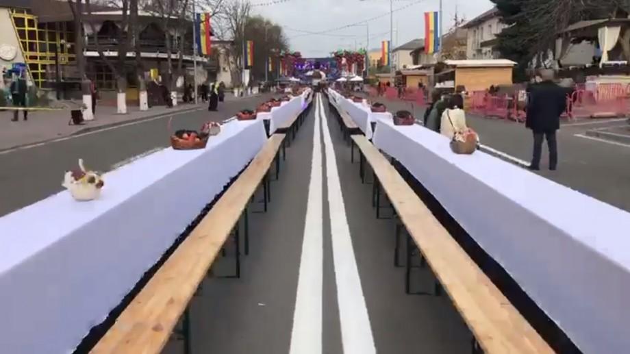 (video) Contraste moldovenești. La Chișinău se decide soarta guvernului, iar la Orhei s-a întins masa de sărbătoare