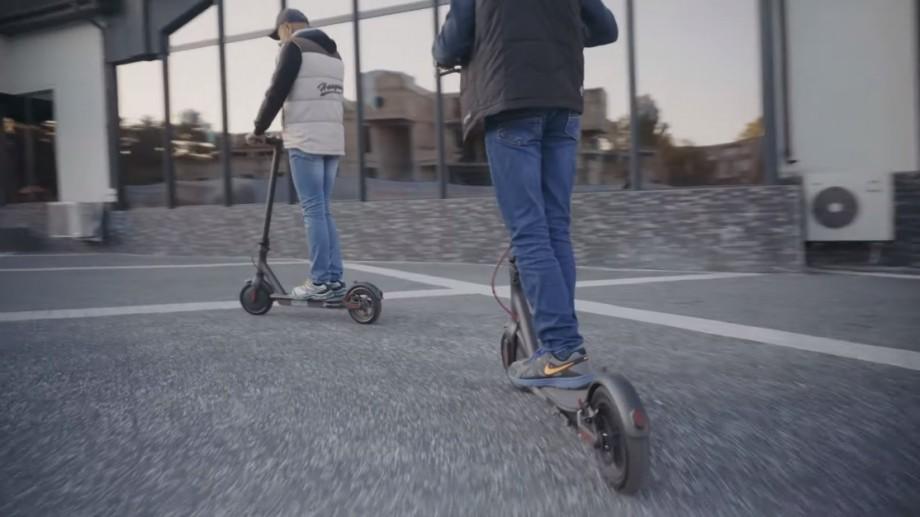 (video) Charge and go! Povestea a trei chișinăuieni care au ales transportul electric