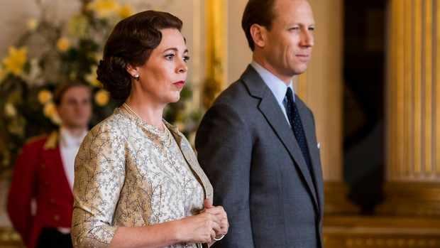"""(video) Cel de al treilea sezon """"The Crown"""" este dur criticat de fostul secretar de presă al reginei"""