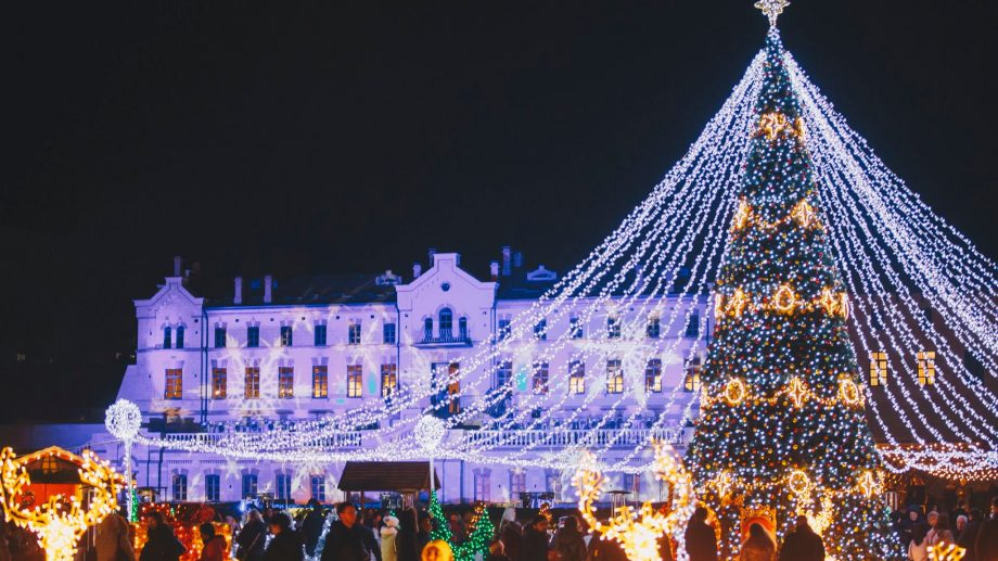 (foto) Au sărbătorit feeric Ajunul Crăciunului, pe muzica orchestrei lui Cristofor Aldea-Teodorovici