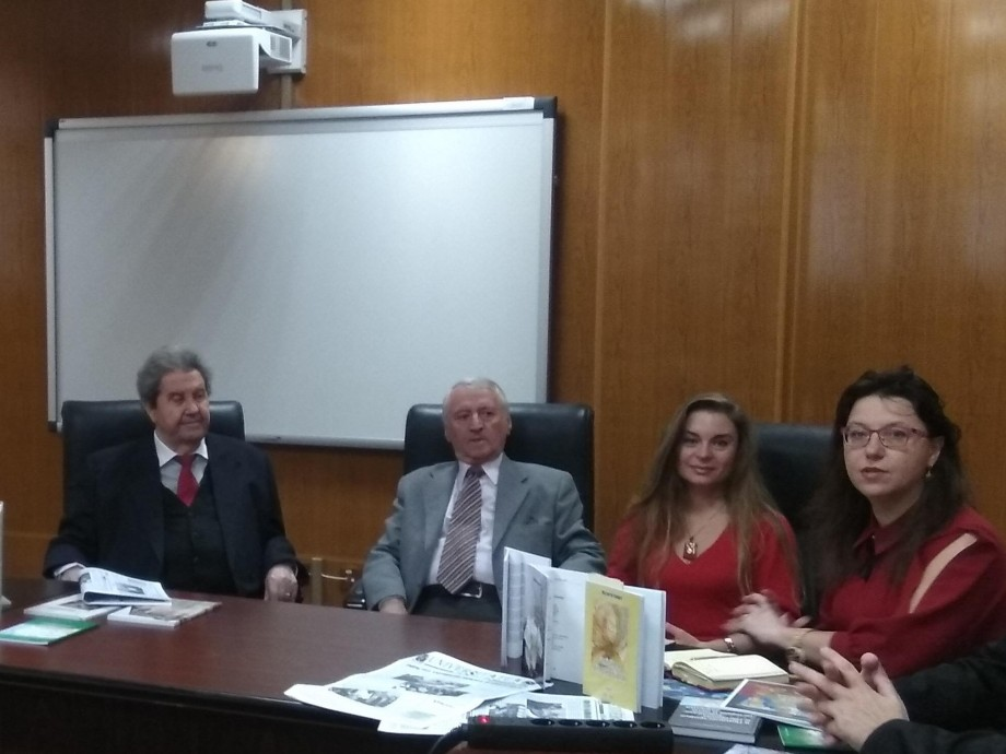 Autoarea Victoria Fonari a fost invitată pentru lansarea a două cărți la Salonul Academic Cultural de la Galați