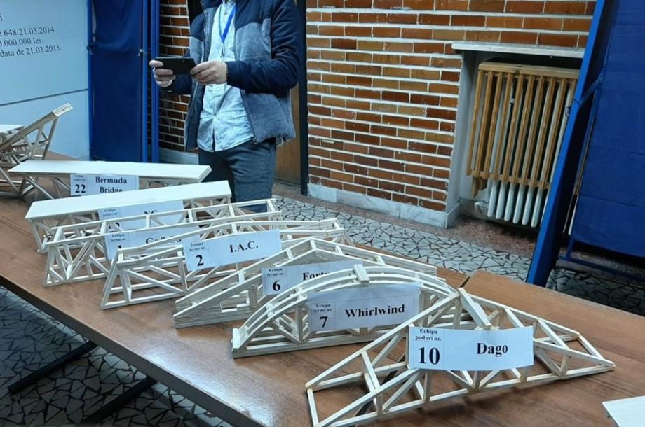 """Studenții de la UTM au cucerit locuri de frunte la concursul internațional """"Machete de poduri și ferme din lemn"""""""