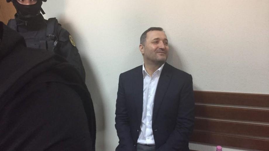 """Prima declarație a lui Vlad Filat după ce a fost eliberat: """"Acum mă duc acasă"""""""