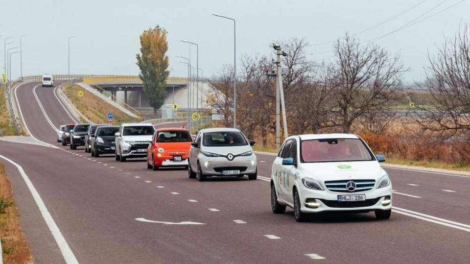 Petiție online! Moldovenii cer păstrarea cotei de acciz pentru automobilele hybrid în mărime de 50 %