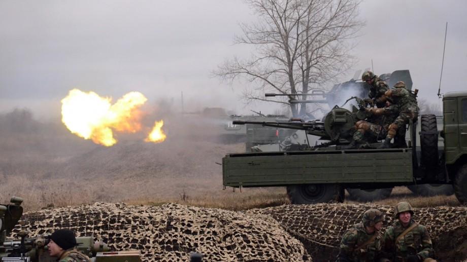 """(foto) La Bălți s-a desfășurat exercițiul tactic """"Cetatea de Nord 2019"""". Au fost implicate zeci de blindate și tehnică de război"""
