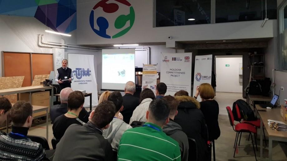 """La UTM se desfășoară concursul internaţional de sisteme robotice mobile şi servicii IoT """"EARTH ROVER: Connecting Things – 2019"""""""