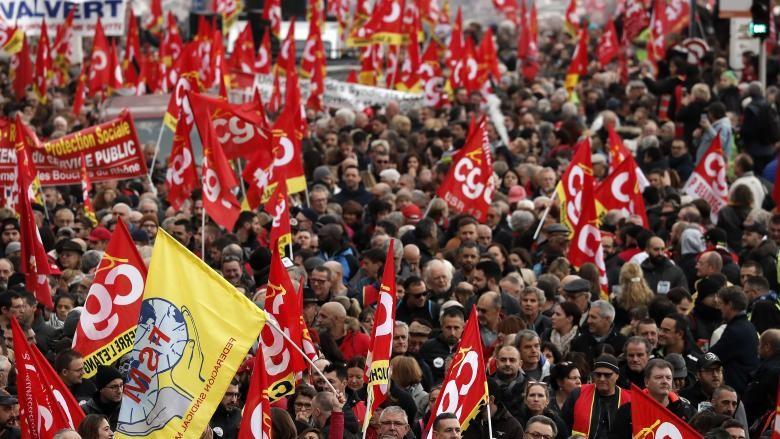 Franța este paralizată de o grevă generală în semn de protest faţă de reforma pensiilor