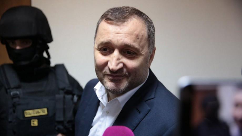 """""""Am mers la mitropolie, după care la părinți."""" Primul interviu a lui Vlad Filat, după eliberarea din închisoare"""