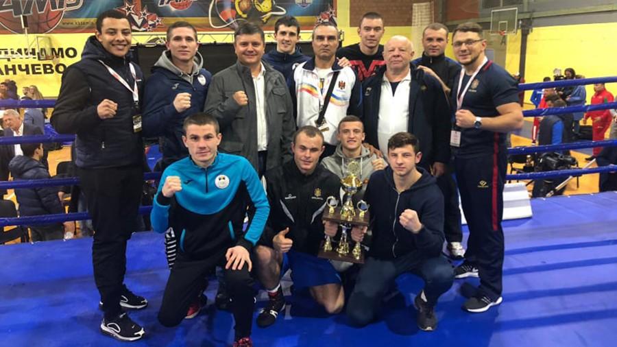 """Boxerii moldoveni au câștigat patru medalii la turneul """"Golden Glove"""" din Serbia"""