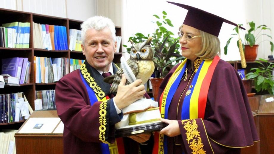 Corina Crețu a primit titlul de Doctor Honoris Causa al ASEM