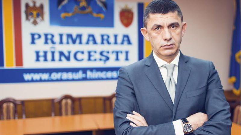 Alexandru Botnari părăsește parlamentul și revine la primăria Hîncești