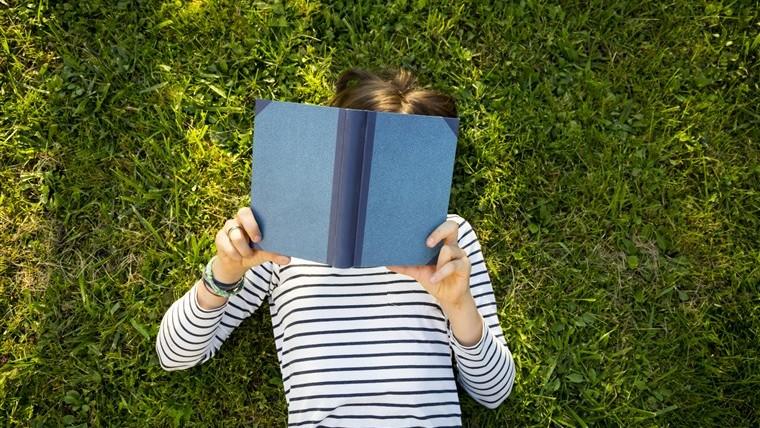 (infografic) Citesc din plăcere sau doar pentru că se cere la școală? Ce atitudine față de lectură au elevii din Moldova