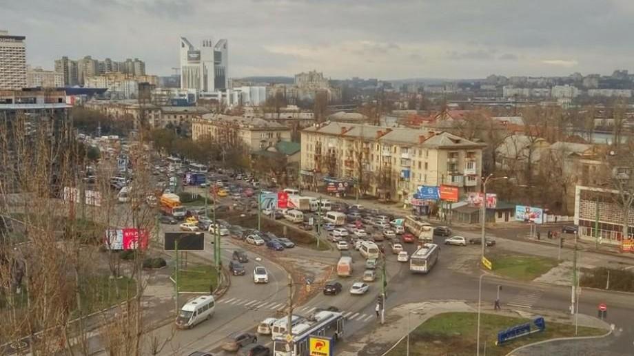 """(hartă) Concentrațiile de particule periculoase din aerul Chișinăului au atins în acest an un nivel """"extrem"""" de rău"""