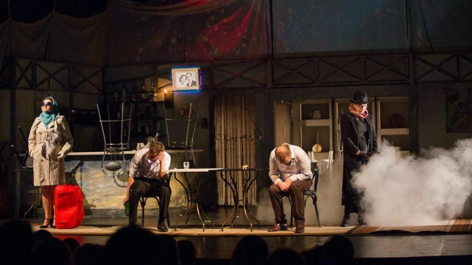 """Teatrul Național """"Eugene Ionesco"""" te invită la un spectacol aniversar. """"În seara asta plătesc eu"""", o serată-recital alături de actorul Andrei Sochircă"""
