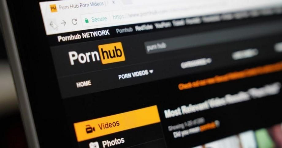 (hartă) Care este cea mai accesată categorie de pe Pornhub de către moldoveni în anul 2019