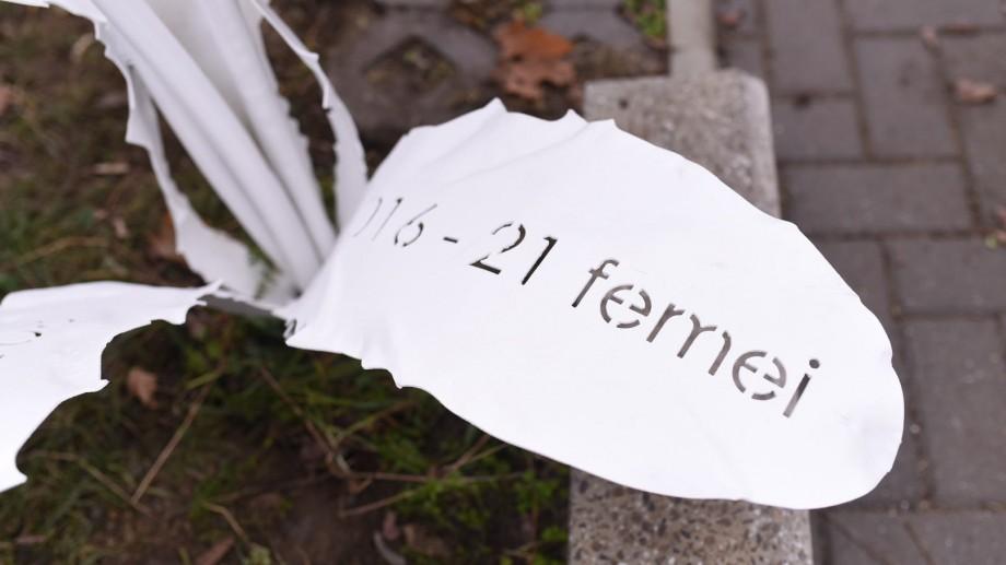 (foto) La Chișinău a fost instaurată o sculptură-simbol în memoria femeilor care au decedat în urma violenței