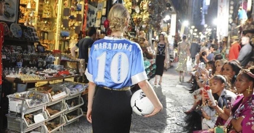 Dolce & Gabanna trebuie să îi achite daune de 70 de mii de euro lui Maradona. Fotbalistul cerea un milion