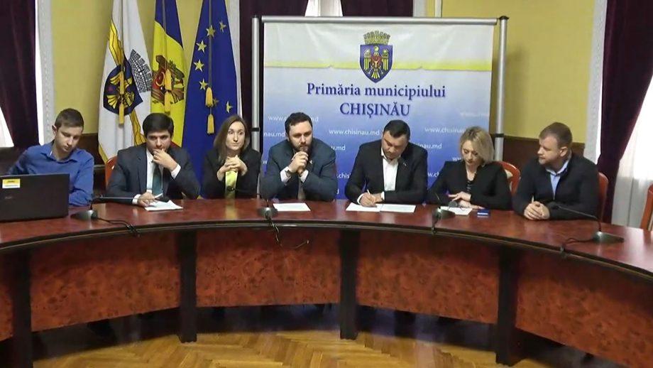 (video) Fracțiunea PAS din CMC a prezentat lista persoanelor care au fost angajate ilegal în cadrul Primăriei Chișinău