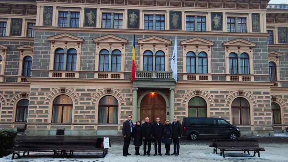 """(foto) O delegație de la UTM a vizitat Universitatea """"Transilvania"""" din Brașov. Ce subiecte au fost discutate"""