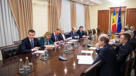 (doc) Burse de studii de scurtă durată în România pentru 72 de studenți moldoveni