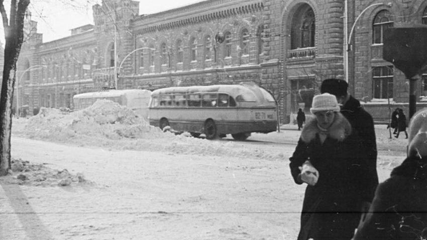 (foto) Iarna anului 1970. Cât de gros era stratul de zăpadă în Capitală