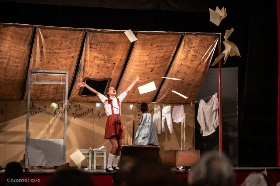 """Teatrul poetic """"Alexei Mateevici"""" invită publicul la spectacolul """"Jurnalul Annei Frank"""""""